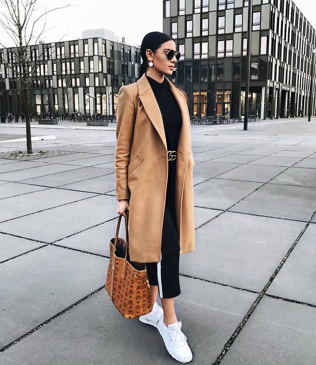 """simply_the_best_fashion on Instagram: """"@dilarakaynarca ❤️ inspo via @fashion_satisfaction ❤️ Check out link in BIO #ootd #outfitoftheday #hashtagsgen #lookoftheday #fashion…"""""""