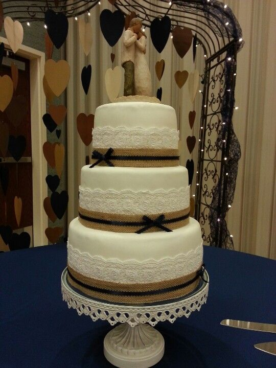 Burlap And Lace Wedding Cake Make The Bows Gold With Glitter D