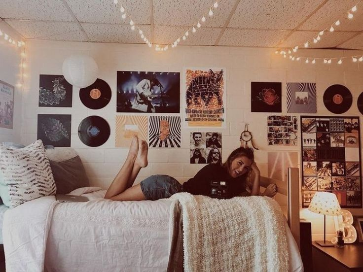 32 amazing coordinating dorm room ideas 00009 Dorm room!! #Amazing #coor Dorm Room Ideas Amazing coor Coordinating Dorm Ideas Room #collegedormroomideas