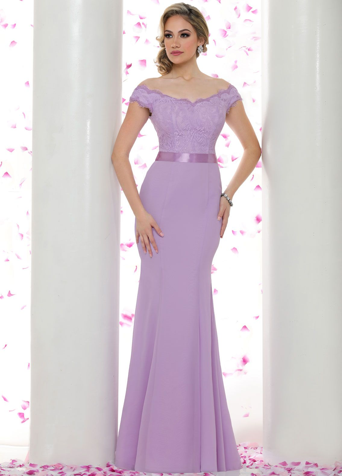 This romantic gown ties in perfectly with the theme of eternal this romantic gown ties in perfectly with the theme of eternal love a ombrellifo Images