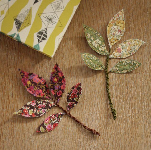 How To Make Liberty Fabric Leaves Com Imagens Flores De