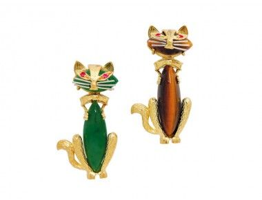 A Pair of Gem-Set Cat Brooches, circa 1970 « Dupuis Fine Jewellery Auctioneers