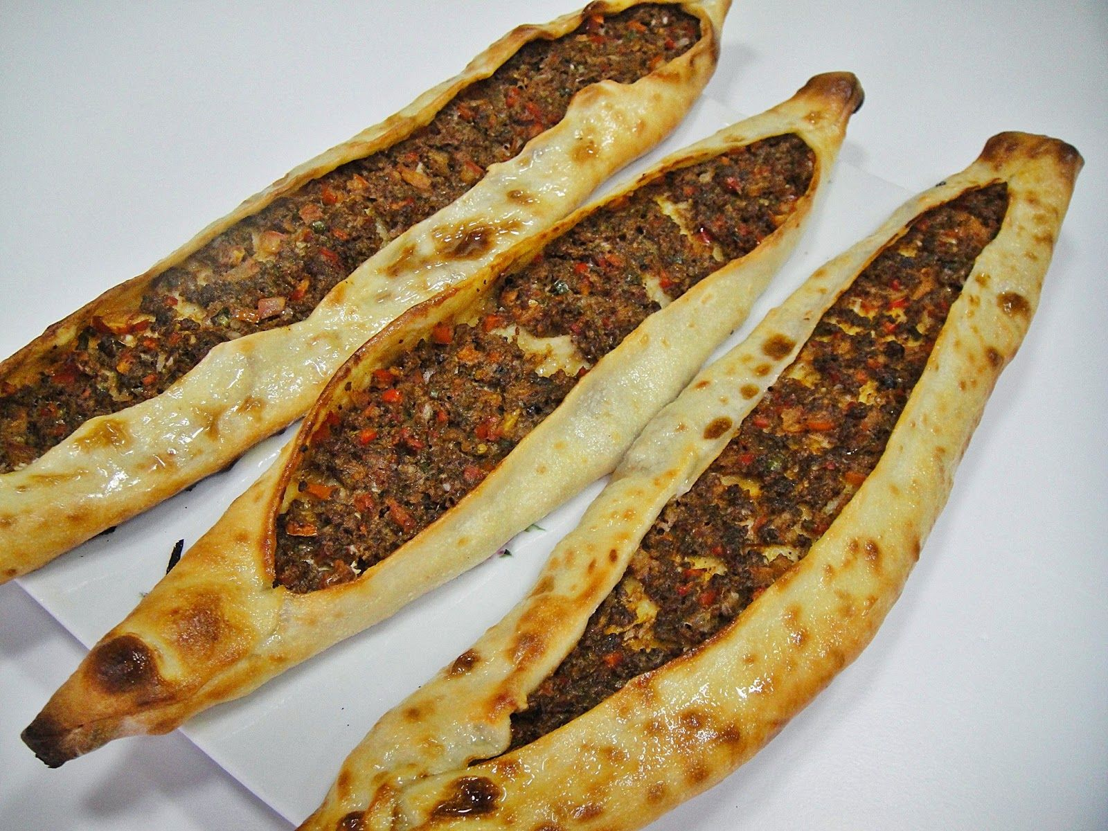 Maryams culinary wonders 664 lamb pide middle eastern recipes its no secret turkish food is among the absolute best in the world along with iraqi food of course forumfinder Images