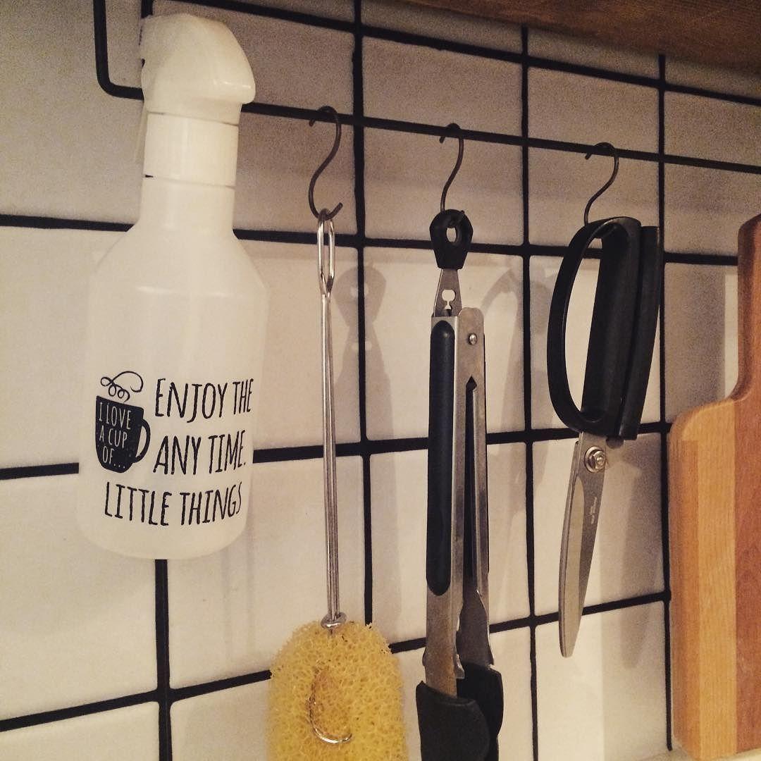 掃除してたら随分前に買った無印のスプレーボトルが出てきたのでセリアの転写シール貼りました 順番ミスって変な文章やけど雰囲気でw   #DIY #woodwork #interior #iron #cafe #selfrenovation #handmade #kitchen #KURASHIRU #木工 #インテリア #カフェ #カフェ風インテリア #セルフリノベーション #キッチン #雑貨 #無印 #IKEA #男前 #男前インテリア #セリア #instahome  by smily_yppah