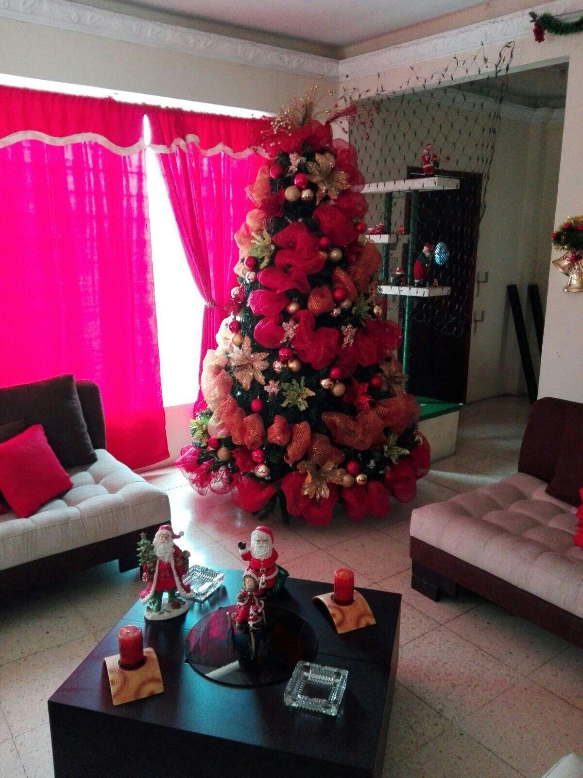 fef7efdf605 Árbol Navidad en tonos Dorado verde y rojo