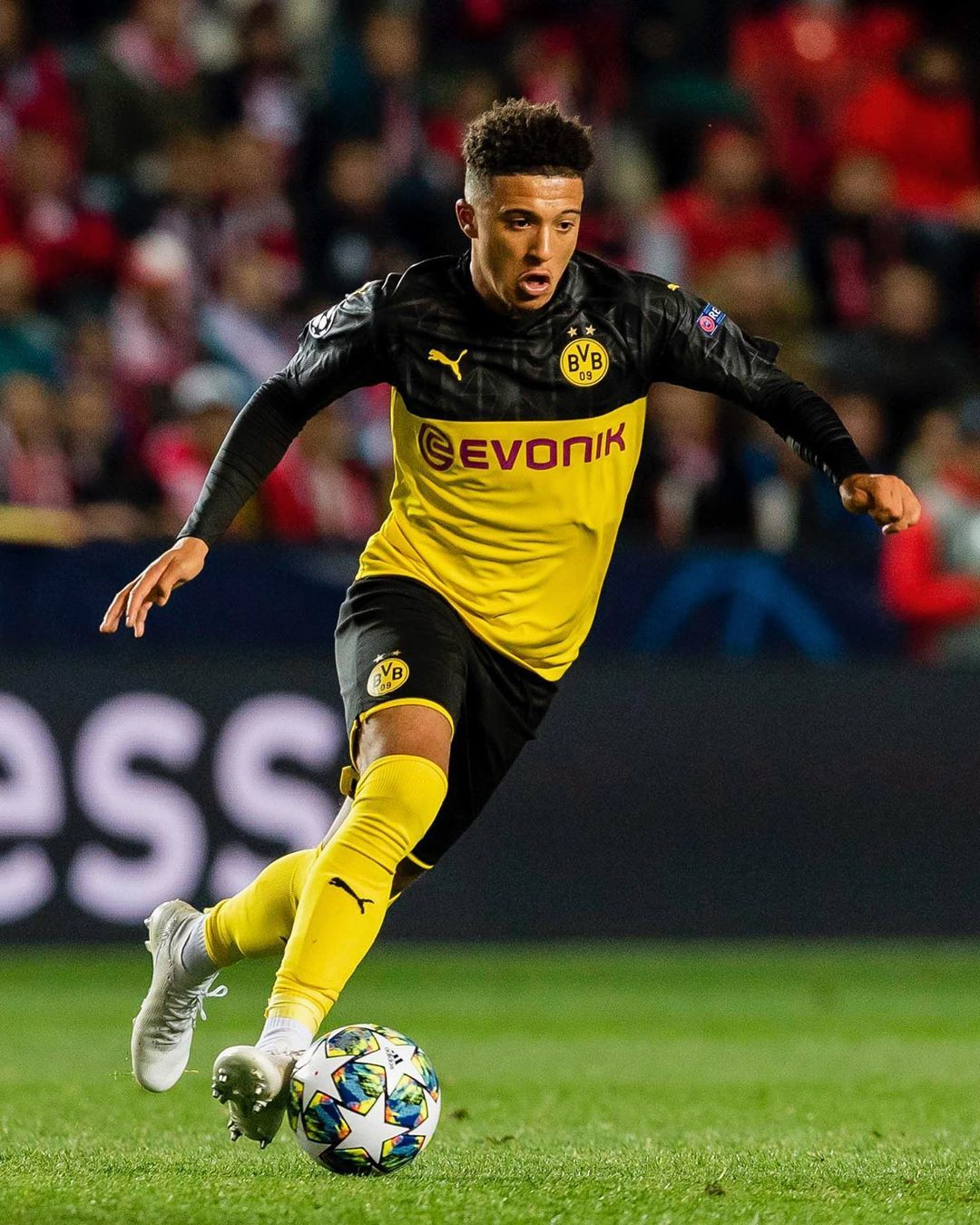 Borussia Dortmund On Instagram Single Player Action From Slabvb Bvb Borussiadortmund Championsleague In 2020 Football Players Images Sancho Borussia Dortmund