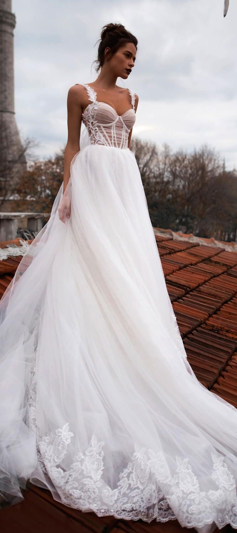 Sleeveless sweetheart neckline tulle skirt a line wedding dress #weddingdress #weddinggown #bridedress #bridalgown