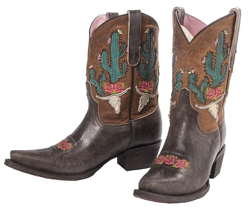 470b9f169e Cowgirls