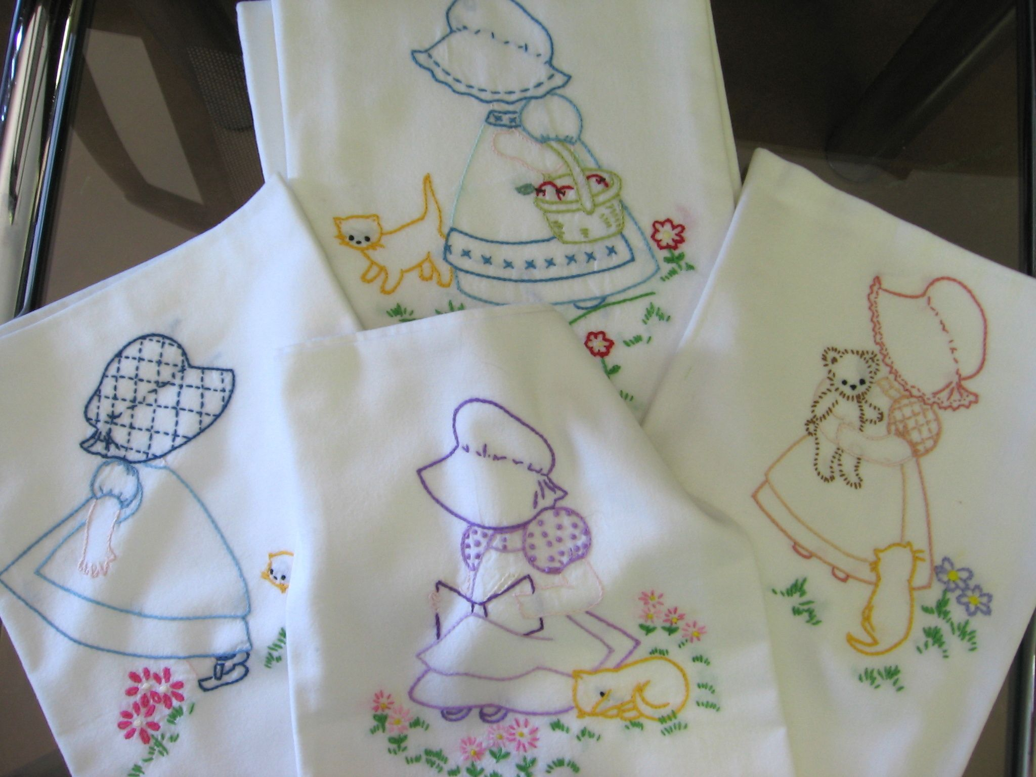 Hand Embroidered Tea Towels Embroidery Pinterest Towels Embroidery And Sunbonnet Sue