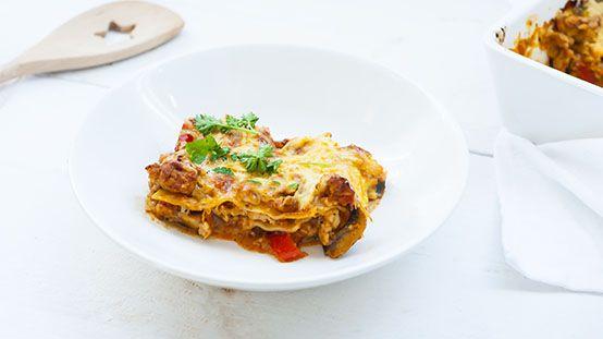 Lasagne Met Kipgehakt Uien Wortel Courgette Mozzarella 30 Kkas Lasagnebladen Knoflook En Tomatenblokjes Heel Erg Lek Kipgehakt Lasagne Gezonde Recepten