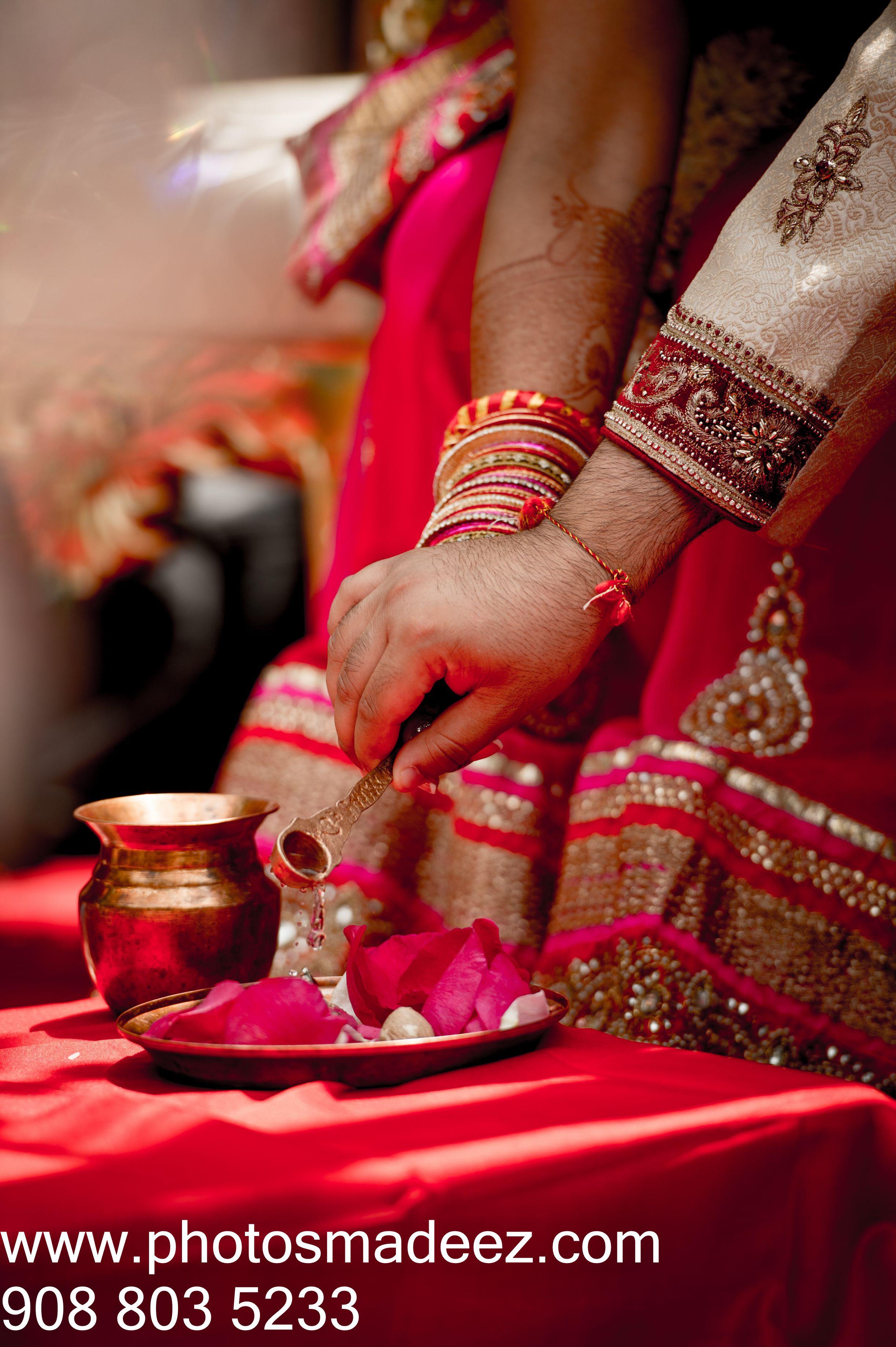 Gujarati Bride and Groom in Indian Wedding. Gujarati Wedding ...