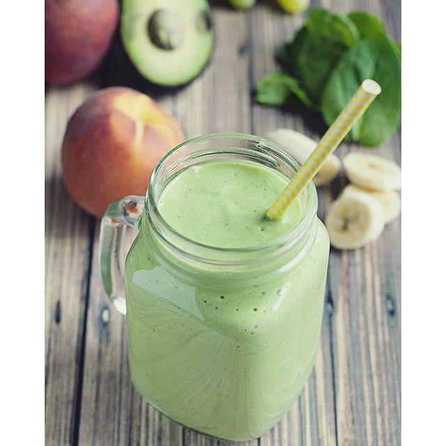 ¿Quieres preparar un rico smoothie o batido de frutas? Aquí encontrarás cientos de recetas de smoothies (verdes, vegetales, de frutas) muy fáciles de hacer.