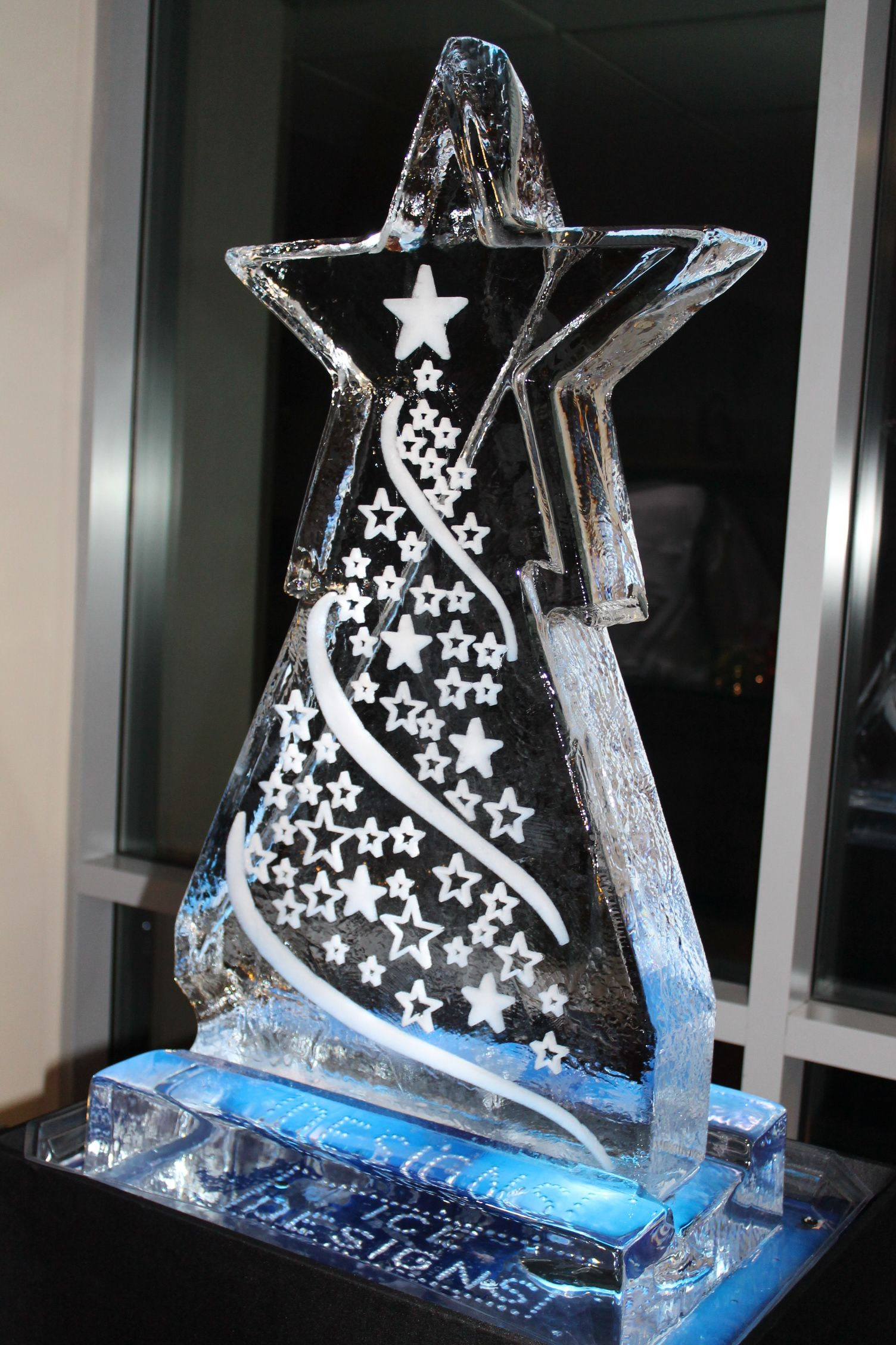 Ice Sculpture Christmas.Christmas Themed Ice Sculptures 2017 Charity Auction