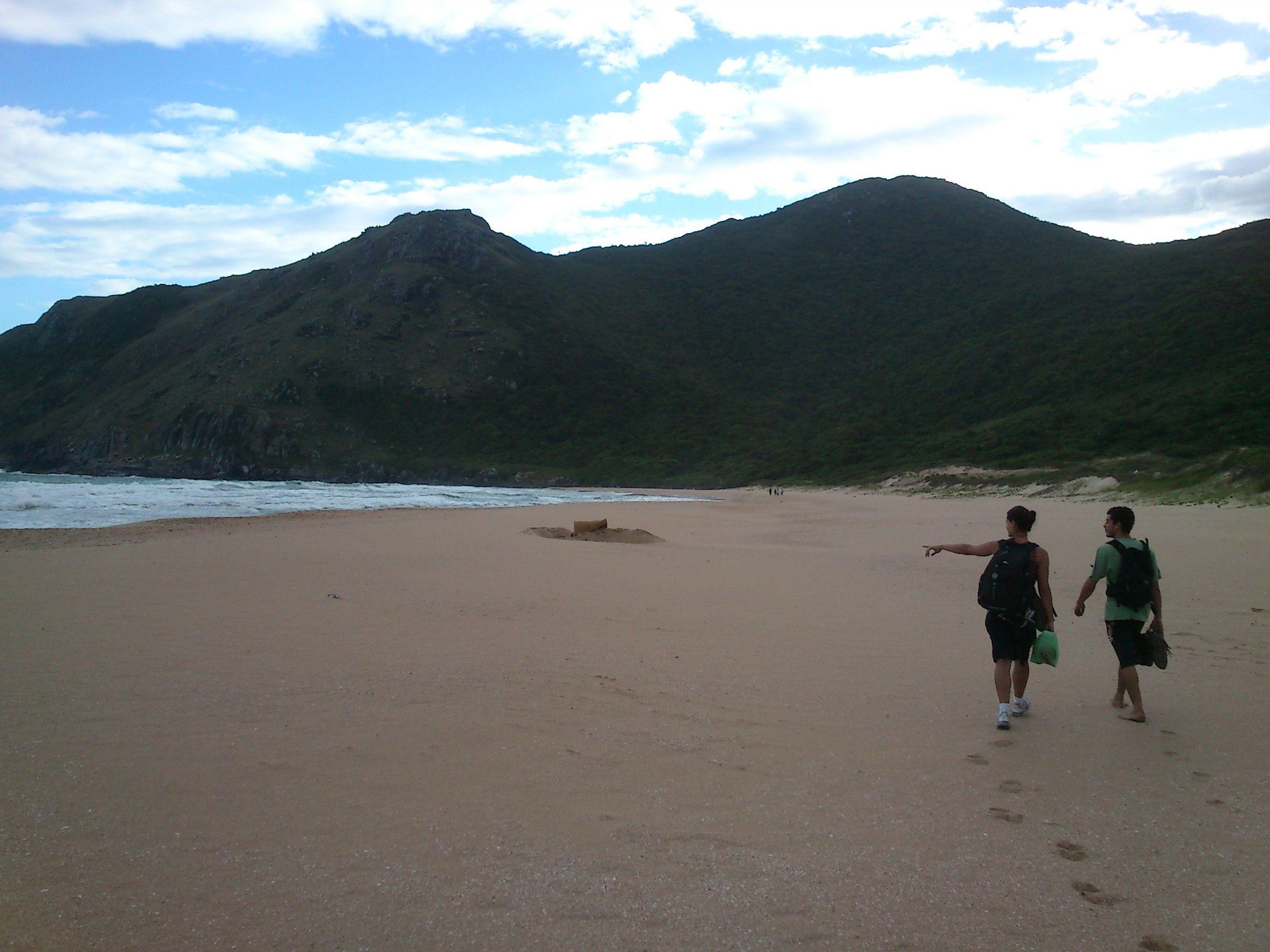walking on the beach - Lagoinha do Leste, Florianópolis -SC.