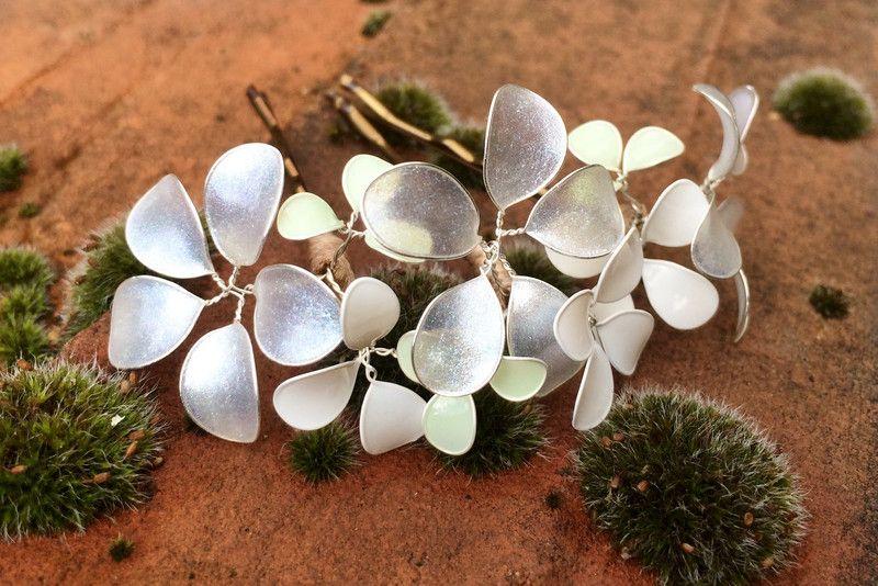 Haarklammern mit Blüten in kristall von Streublumen auf DaWanda.com