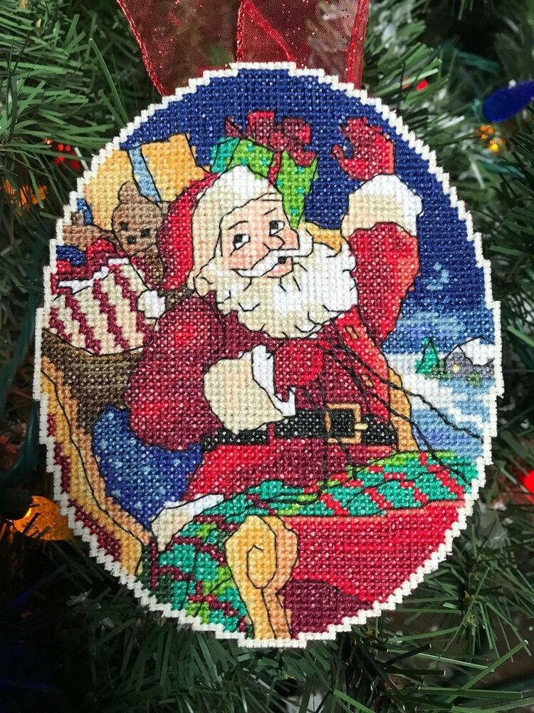 Cheerful Santas Holidays Christmas Cross Stitch Pattern Red Vintage