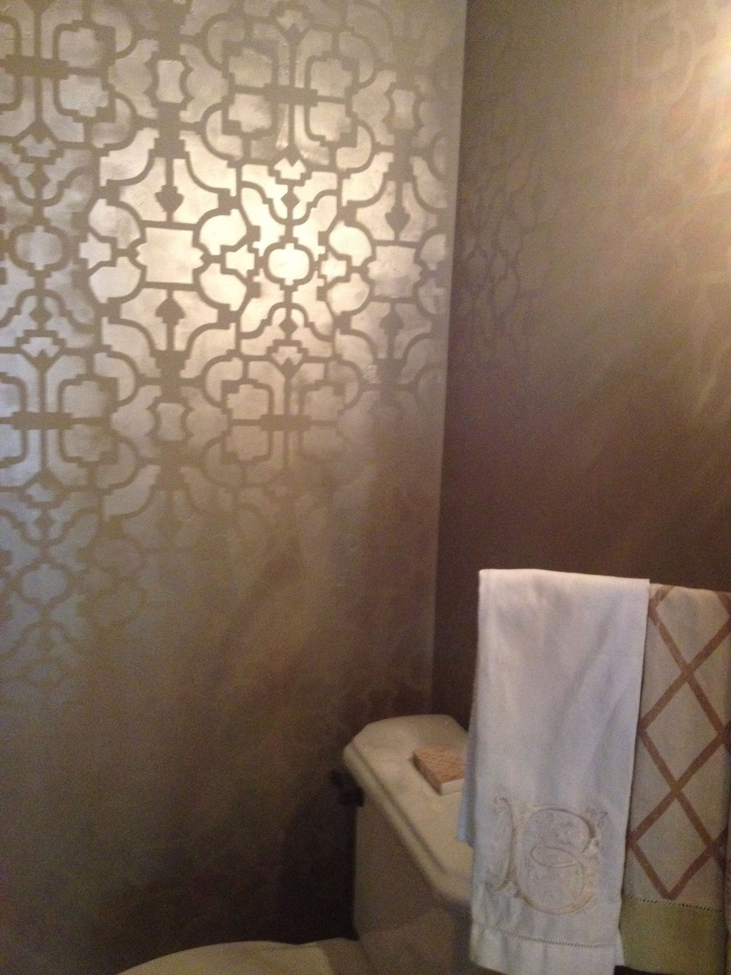 modern masters metallic paint finish on walls kyoto stencil by stenciling with modern masters warm silver from the metallic paint collection by kari caldwell of encinitas ca i like that the metallic paint is the base
