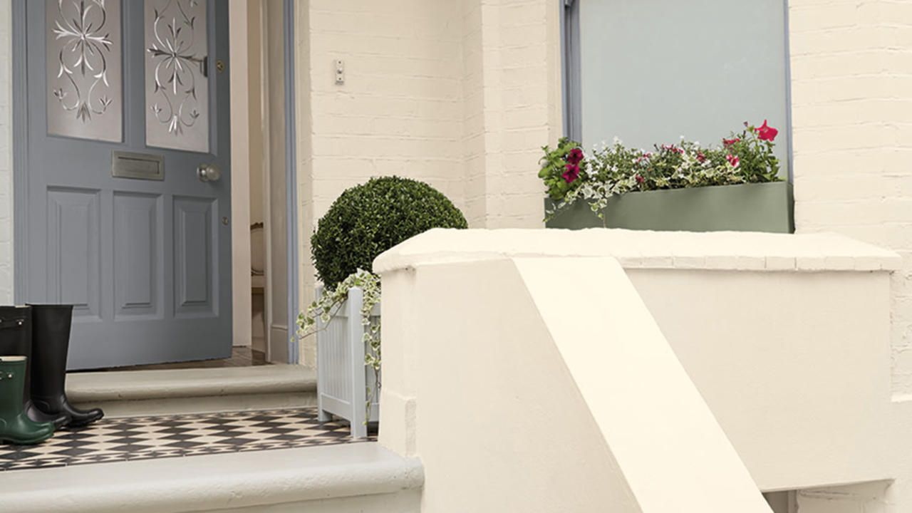 Make a good first impression by painting your front door in smart ...