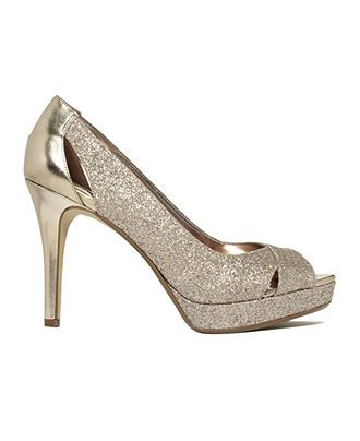 bb8aff75bf58 All that glitters... ALFANI gold glitter shoes BUY NOW!
