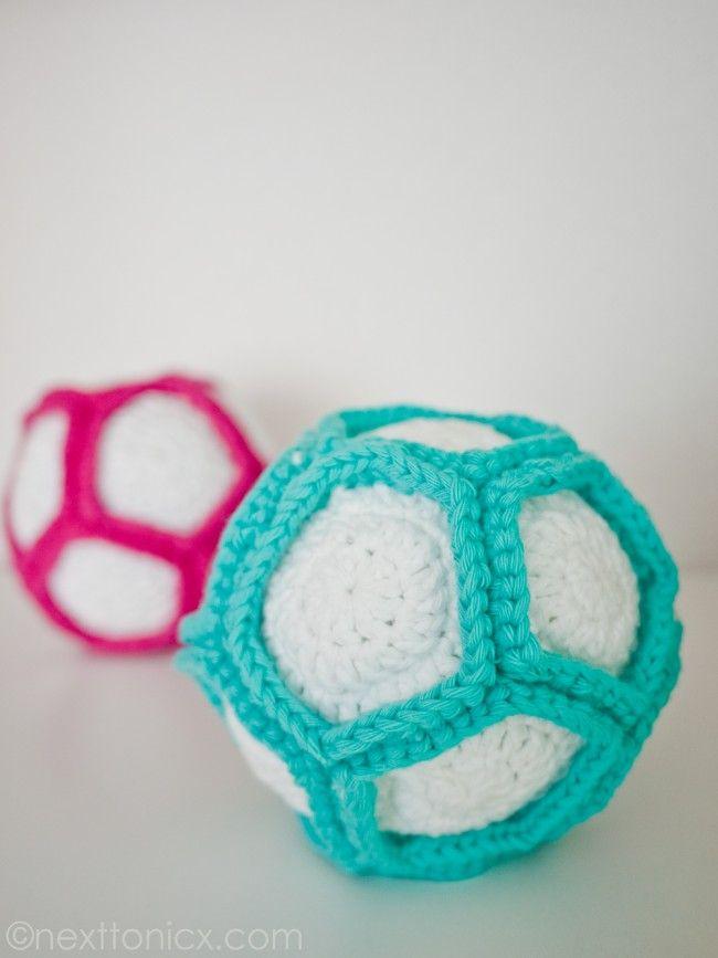Crochet Rattle Ball | A Puro Crochet Patrones | Pinterest | Crochet ...