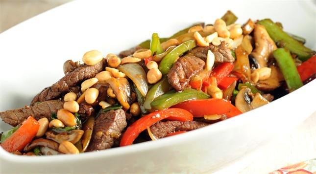 فتافيت لحم بقري بطريقة الستير فراي Meat Recipes Stir Fry Meat Food