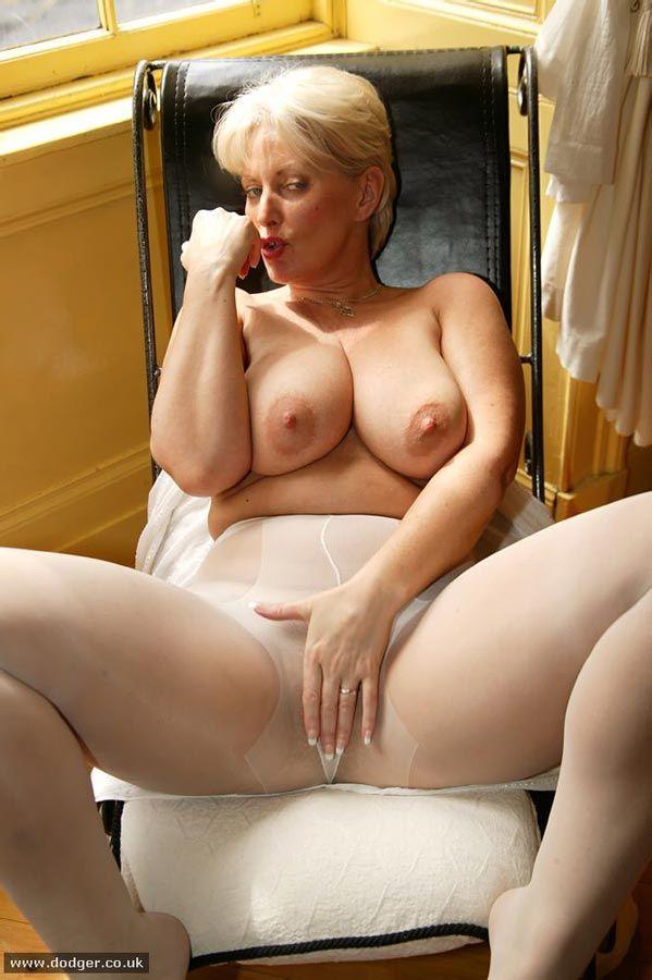Porno nylons