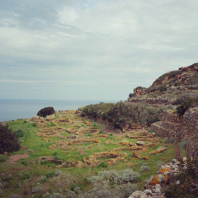 #DargenDAmico Dargen D'Amico: villaggio di capo graziano e cioè 4000 anni fa, quando i miei avi già facevano cultura #AmoFilicudi