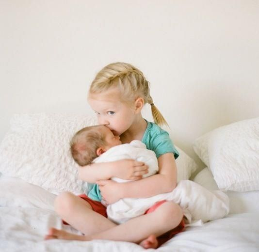 Cutest newborn family photos ever adorable newborn baby pictures