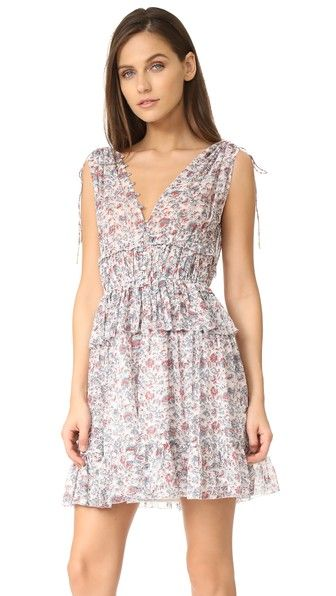 ¡Consigue este tipo de vestido mini de ULLA JOHNSON ahora! Haz clic para ver los detalles. Envíos gratis a toda España. Ulla Johnson Noelle Dress: A floral silk Ulla Johnson mini dress with a springy, feminine aesthetic. Picot-edged ruffles form graduated tiers, and small metallic buttons fasten the front. Slim straps gather the shoulders. Lined skirt. Unlined, semi-sheer bodice. Fabric: Silk georgette. Shell: 100% silk. Lining: 100% polyester. Dry clean. Imported, India. Measurements…