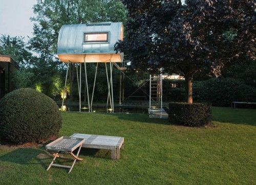 Modern Stylish Tree House Compact Design Construction Modern Tree House Tree House Designs Houses In Germany