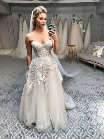 12 Luxury Couture Bridal Fashion Brands You Need To Know About In 2020 Wedding Dresses Old Wedding Dresses Wedding Dress Long Sleeve