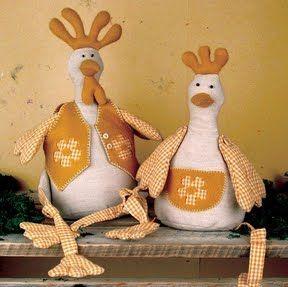 http://segredosdarte.blogspot.com.br/2010/11/galinhas-em-tecido-com-molde.html