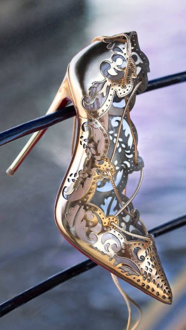 Christian Louboutin Impera Pumps Gold Silver Scrolls Love The