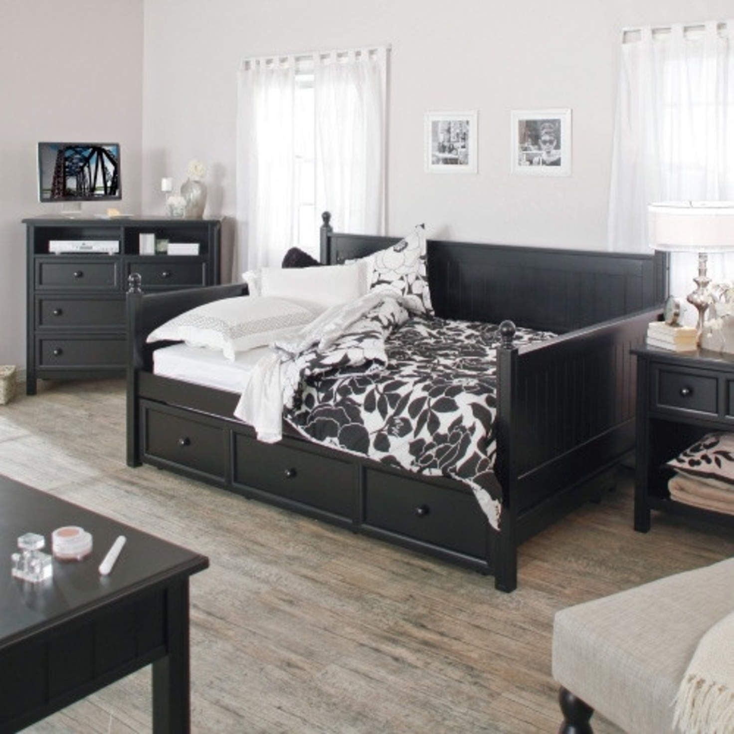 Full size Black Wood Daybed with Pull out Trundle Bed