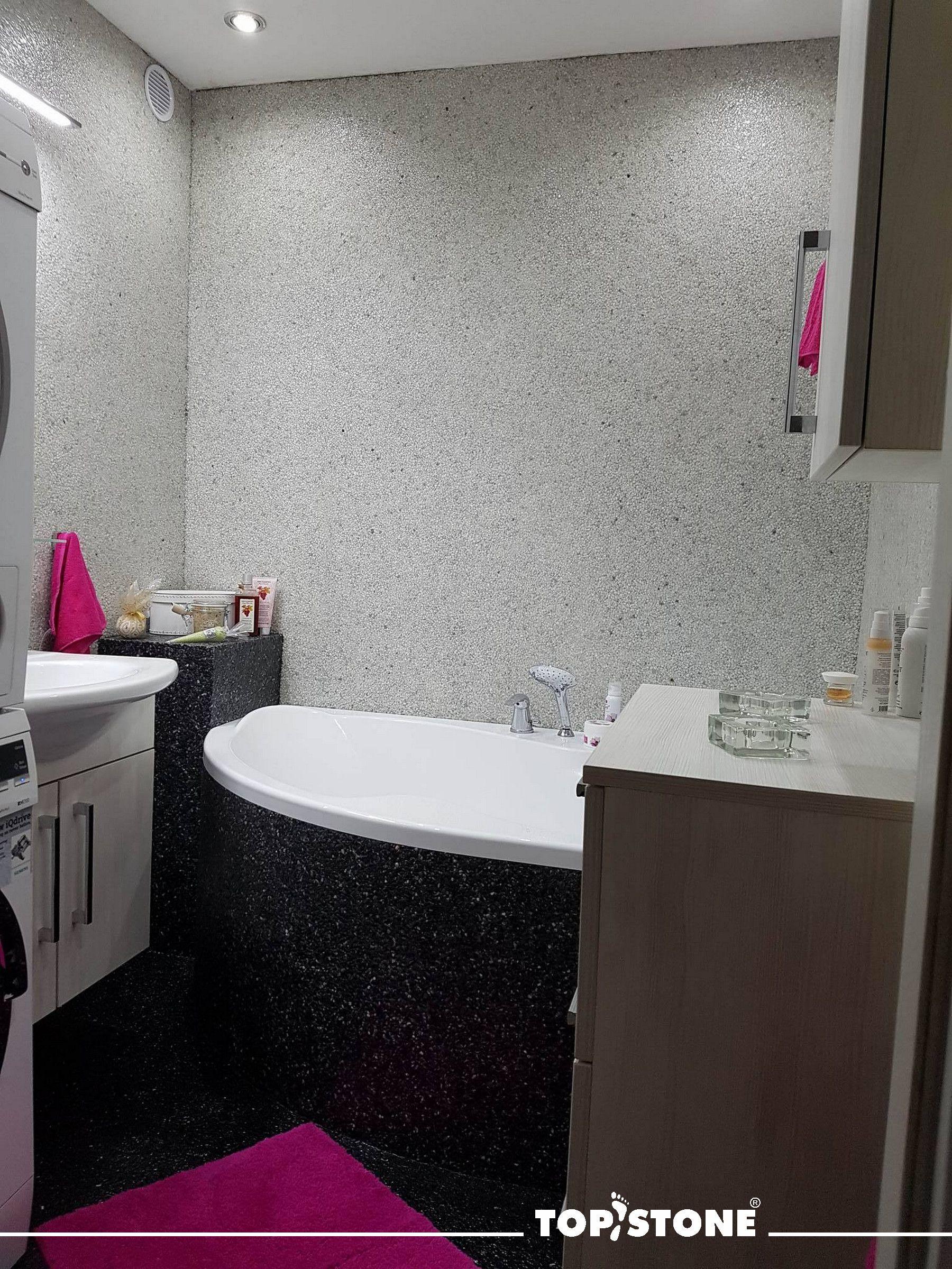 """""""Sbohem zubní kartáčku..."""" napsala nám šťastná zákaznice Monika :). """"Už žádné čištění spár na kolenou, jen vysaju a vytřu........"""" Oprava bytového jádra (koupelna, wc) na původní kachličky. Hotovo za 5 dní. Použitý materiál Mramorový koberec TopStone Nero Ebano, Grigio Carnico a Bianco Cararra. http://eshop.topstone.cz/kaminkove…/…/mramorovy-kaminek.html Celá struktura je uzavřena plničem pórů TopGel. Děkujeme za zaslané fotografie a paní Monice s rodinou přejeme spokojené žití!"""
