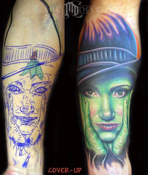 Mike Devries (Elphaba tattoo) <3