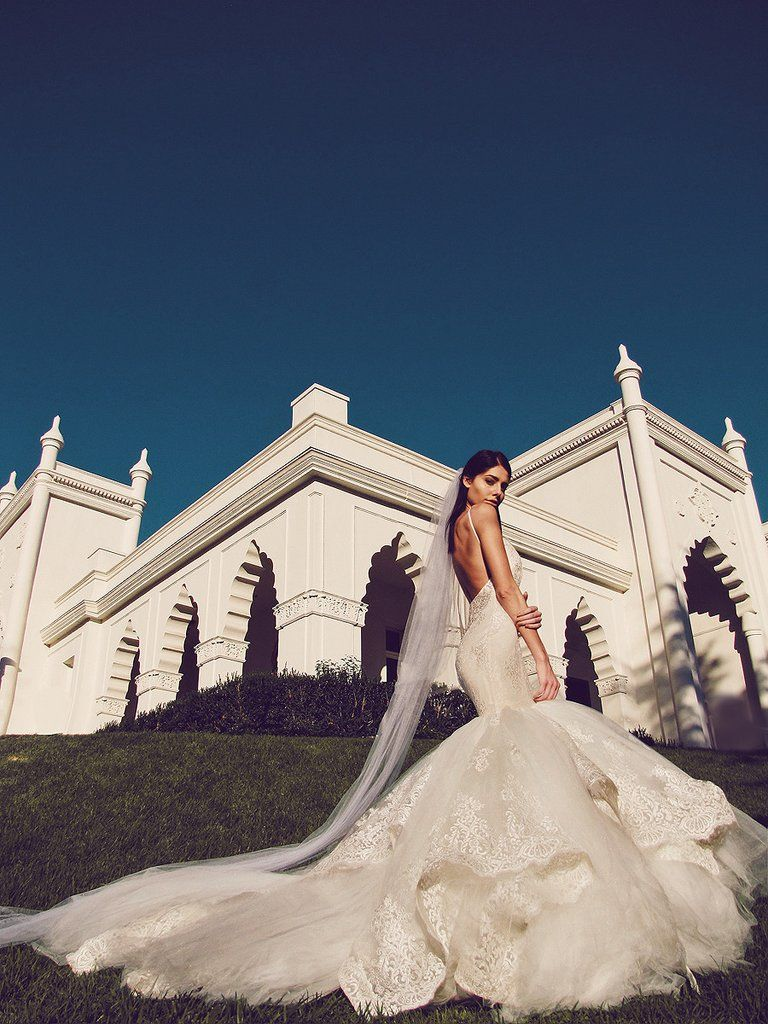 Dramatic Mermaid Wedding Gown With Lace And Tulle Cathedral Train Veil
