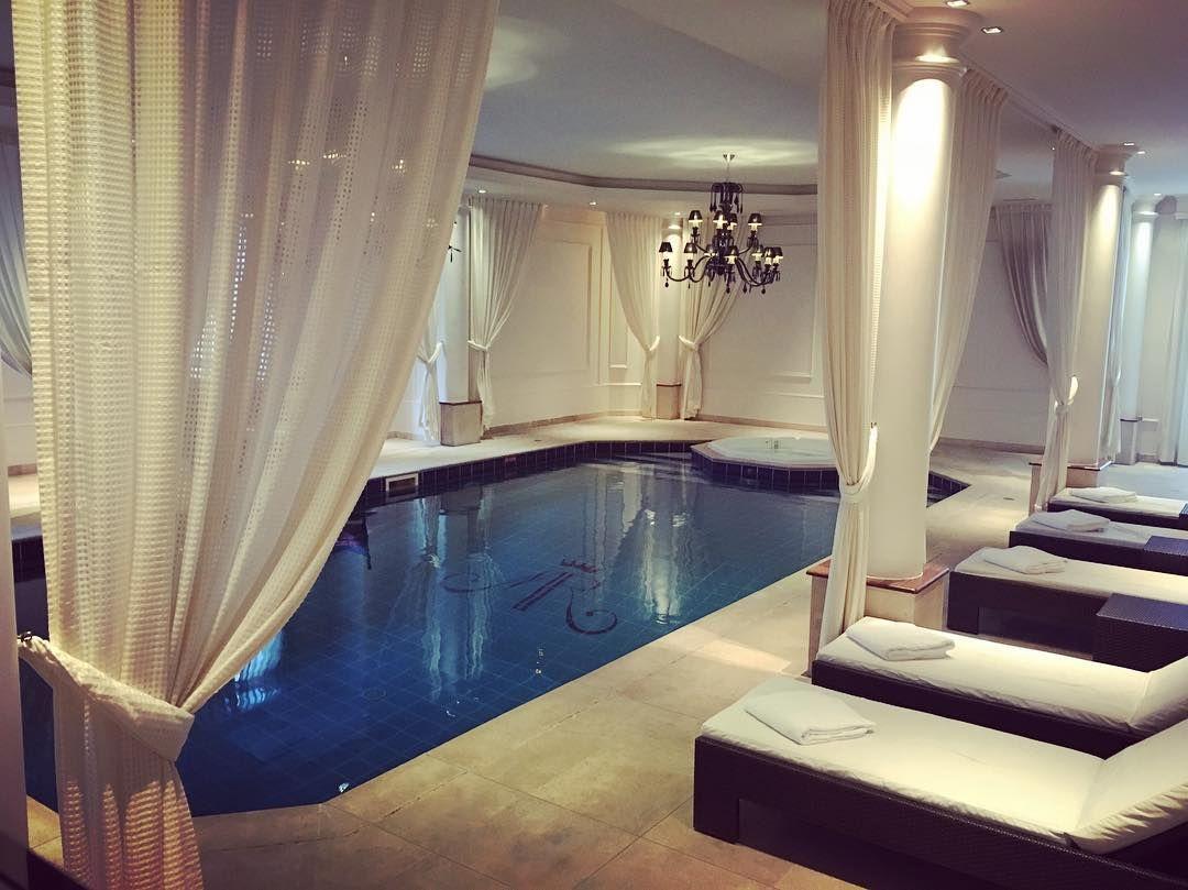 Tiara Hôtel - December 2015 ! #swimmingpool #hotel #spa #tiara ...