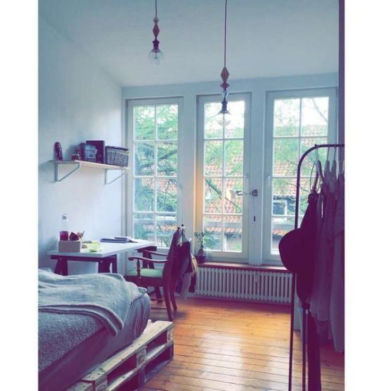 Inspiration fürs WG-Zimmer Bett aus Paletten, Schreibtisch - Schreibtisch Im Schlafzimmer
