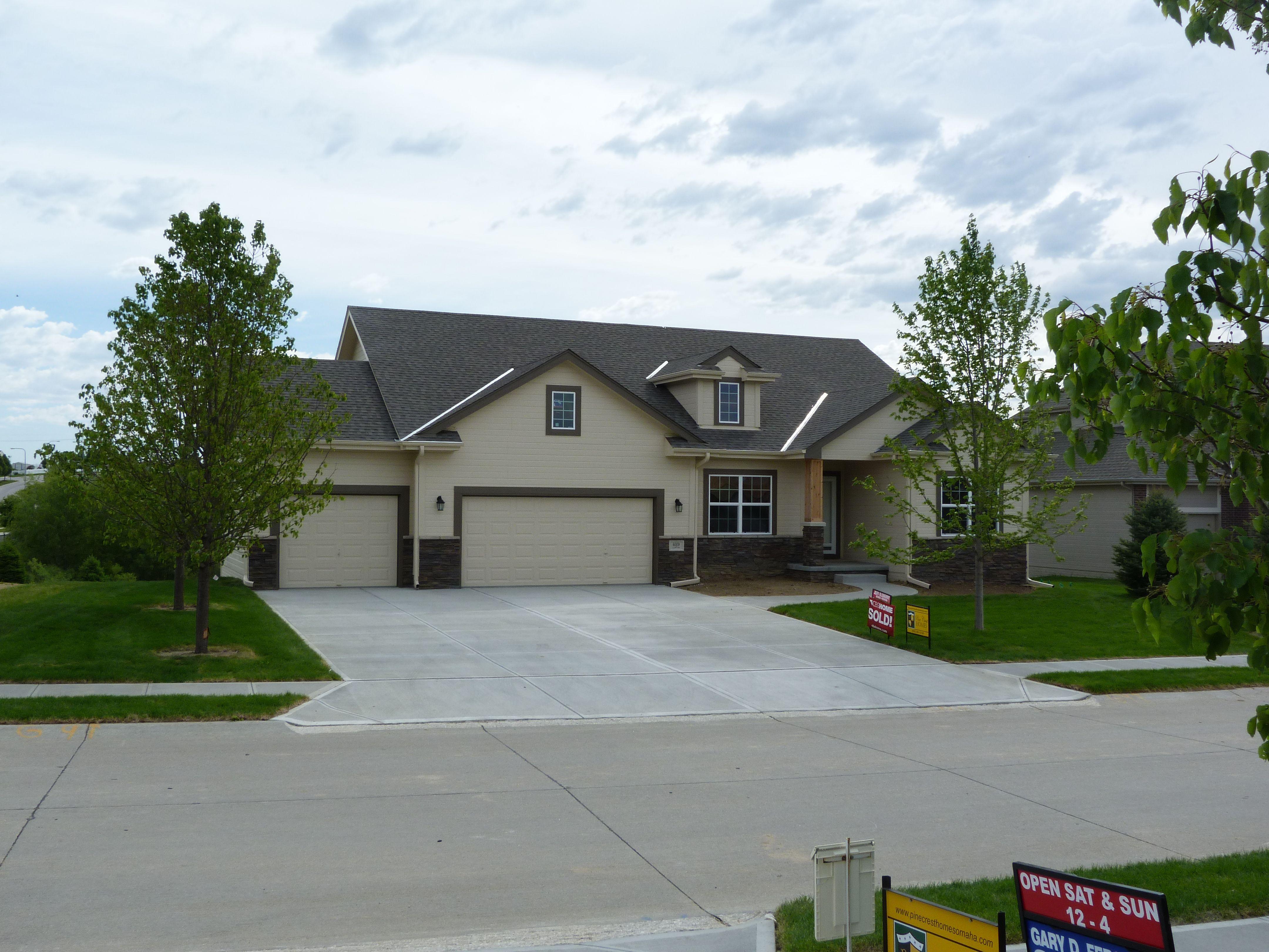 Pine Crest Homes Omaha white window clad Aspen Quickstack – Pinecrest Homes Omaha Floor Plans