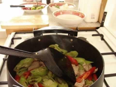 Thai food cooking moo pad prig pork and peppers stir fried thai food cooking moo pad prig pork and peppers stir fried youtube forumfinder Choice Image