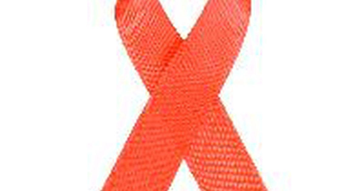 Diferenças entre HIV soropositivo e HIV soronegativo. O vírus da imunodeficiência humana (HIV) continua a se espalhar pelo mundo. É importante que nós estejamos atentos às suas características, incluindo os indicadores de infecção. Antes de entrar num relacionamento íntimo, o conhecimento e o entendimento sobre o HIV são essenciais para se manter livre da doença. Um dos termos principais para ...