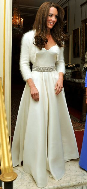 Pic See Kate Middleton S Gorgeous Second Dress Kate Middleton Wedding Reception Dress Evening Gowns