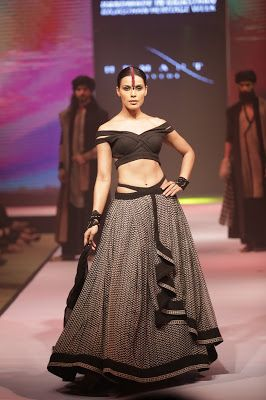 Khadi Is The Fabric Of The Future Designer Bibi Russell Fashion Khadi Fashion Lifestyle