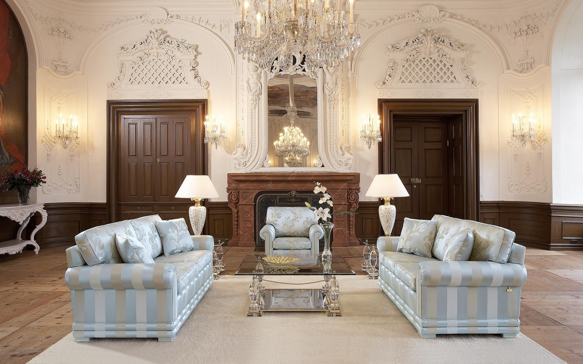The classical upholstered suite Nora offers an optimal seating comfort.