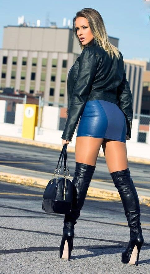 Leather Dresses, Leather Skirts, Biker Chick, Knee High Boots, Short  Skirts, Sexy Dresses, Mens Fashion, Sexy Boots, Thigh Highs