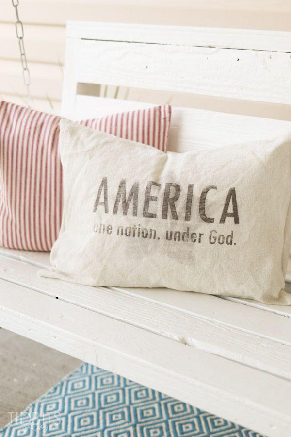 Patriotic Pillow And Free Patriotic Printables Tidbits Patriotic Pillow Patriotic Printables Patriotic Garden Flag