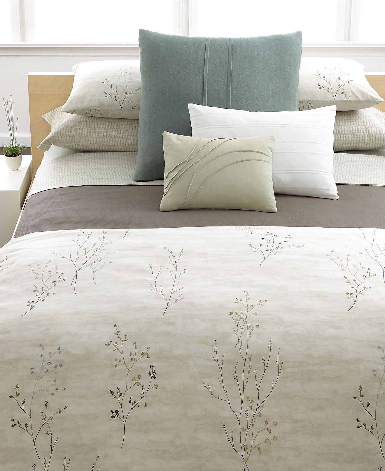 Calvin Klein Home Bedding Briar King Coverlet Quilts Bedspreads Bed Bath Macy S Bed Bedding Collections Queen Comforter