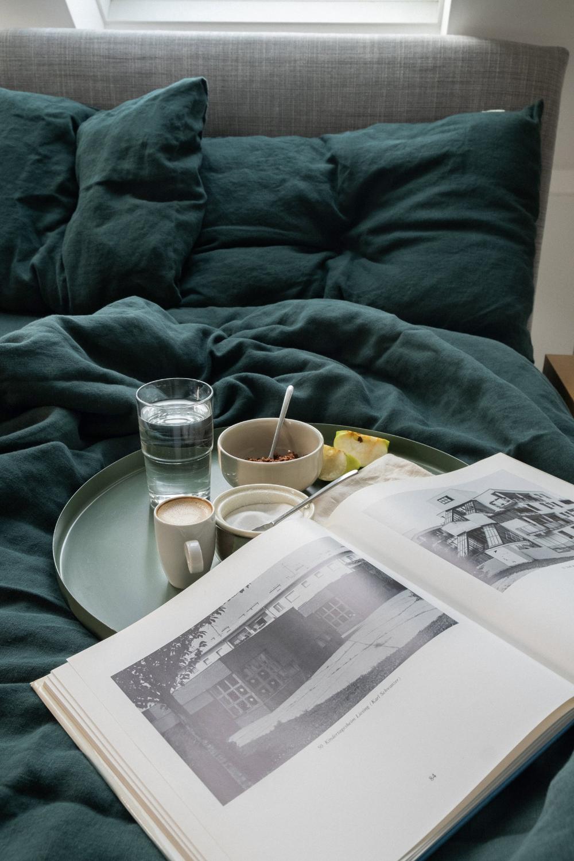 3 Piece Linen Bedding Set In Emerald Green Linen Duvet Cover Etsy In 2020 Bed Linen Sets Green Duvet Covers Green Bedding