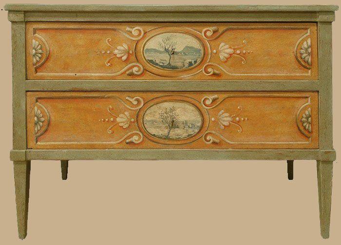 Comò decorato a due cassetti in legno antico, realizzato in stile ...